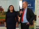 Przemawia Wicestarosta Waldemar Lamkowski stojąc przy Dyrektorze Powiatowego Urzędu Pracy w Malborku Pani Joanny Reszka